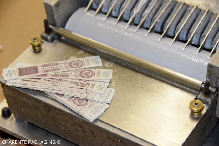 charente-packaging-pose-de-timbres-fiscaux